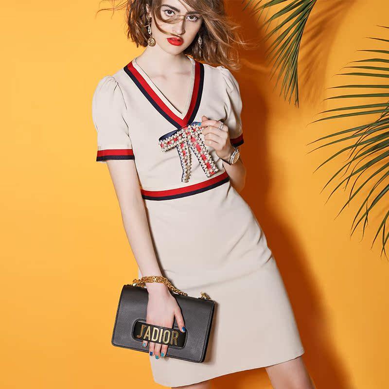包臀连衣裙秋款女时尚复古V领气质修身显瘦a字裙纯色短袖裙子