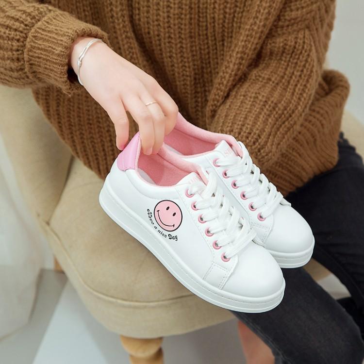 2017新款秋季韩版运动鞋白搭学生休闲女鞋闺蜜平底板鞋笑脸小白鞋