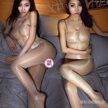 性感情趣丝袜透明开裆油光连身袜