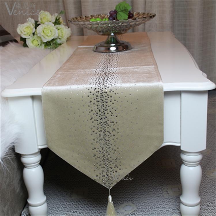 后现代新古典欧式简欧法式样板房软装饰品绒布浅咖色桌旗床旗桌布