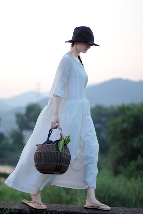 白色连衣裙提花褶皱夏季原著腰部手缝拱针绣线树叶宽松