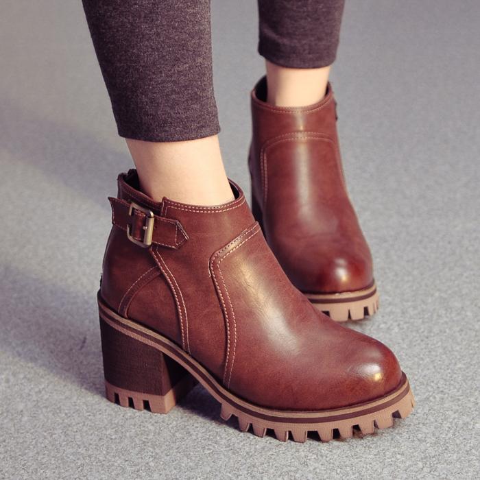 今年最新的棕色裸靴搭配效果图