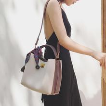 小优家.撞色水桶包女包丝巾包包2017新款欧美时尚手拎简约斜挎包