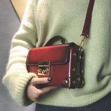 韩版铆钉手提单肩小包翻盖复古时尚纯色英伦斜挎女包个性小药箱包