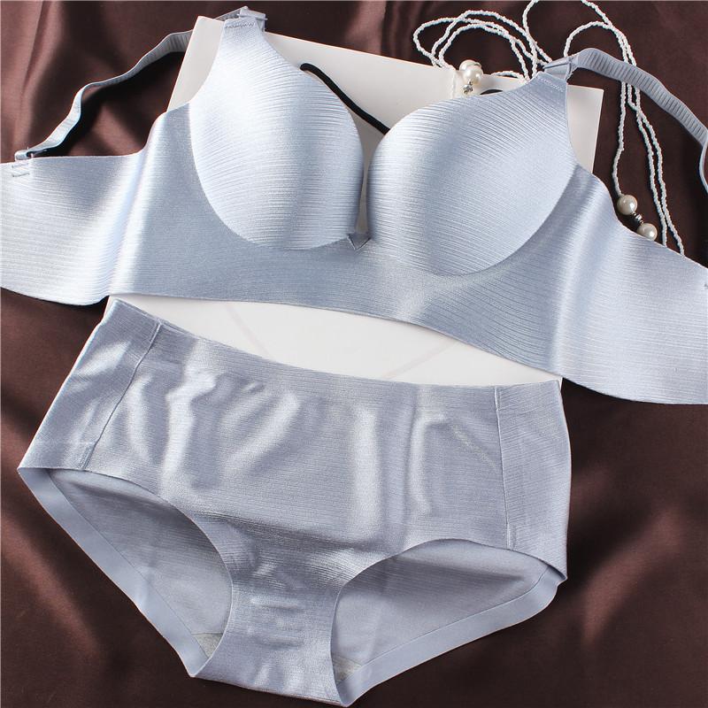 一片式拉丝无痕无钢圈女士内衣套装小胸厚聚拢薄款调整型胸罩文胸