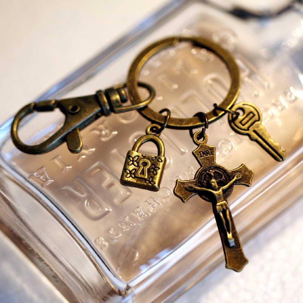 创意diy手工制作做旧包包挂件钥锁十字架骷髅钥匙圈钥匙环钥匙扣