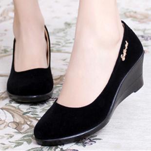 春季新款老北京布鞋女鞋单鞋坡跟平底酒店高跟黑色工作鞋跳舞鞋女