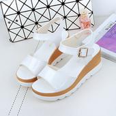 子潮 时尚 女士厚底坡跟韩版 松糕底中跟休闲女凉鞋 凉鞋 2016夏季新款
