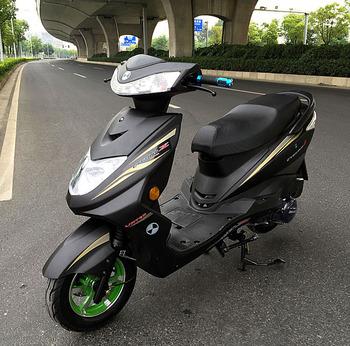 特价新款迅鹰摩托车踏板车骑式车
