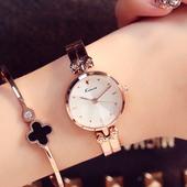 时装手表女学生韩版简约手镯式手链表时尚潮流防水休闲大气石英表