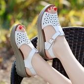 粗跟厚底韩版 真皮坡跟凉鞋 学生平底女鞋 女夏中跟2017新款 天天特价