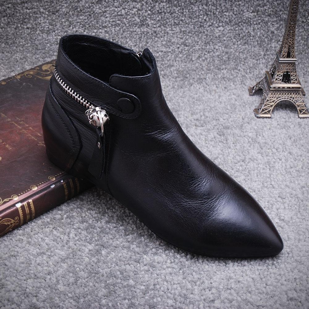 新款女鞋短靴平底