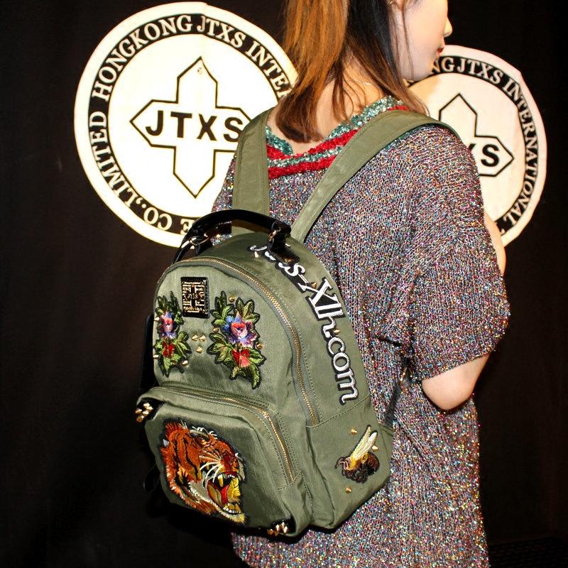 双肩迷你包包包女韩版帆布书包铆钉刺绣欧美香港个性背包